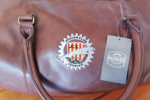 Brod Art - broderie sur mesure - broderie logo sur textile - sac brodé jaguar